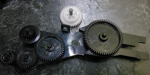 поломка редуктора подачи бумаги HP 5515