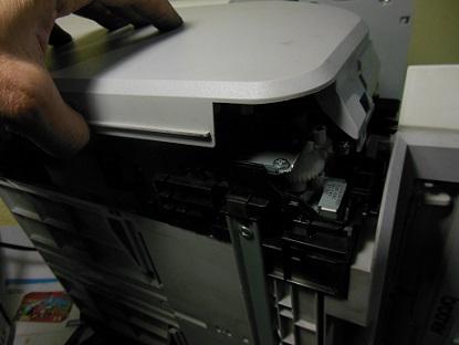 разборка Brother DCP-7030 снятие боковой крышки