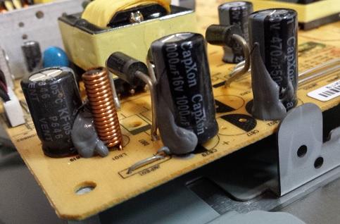 неисправный конденсатор в мониторе