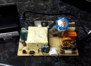 взорванный конденсатор блока питания принтера