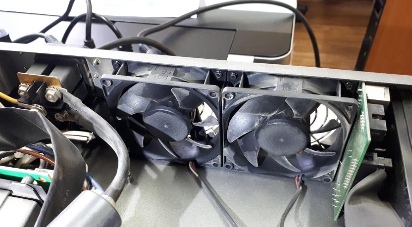 Замена вентилятора в UPS EX 2200 RT2U Sunon ME80251VX-Q060-F99 ВС12V 1.9W