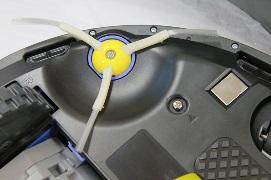загрязнение боковой щетки - робот пылесос быстро разряжается