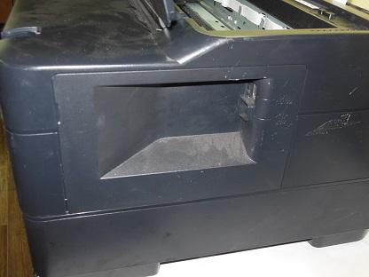 снимаем боковую крышку Epson WF-7015