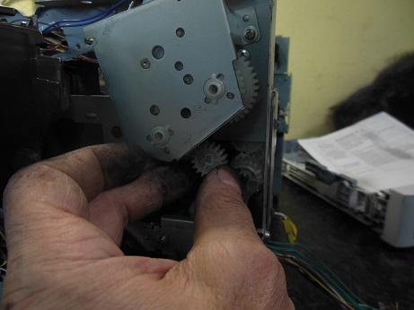 p2055 снимаем шестерни сбоку