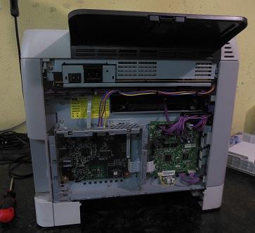 Начало разборки принтера HP LJ Color 2600n