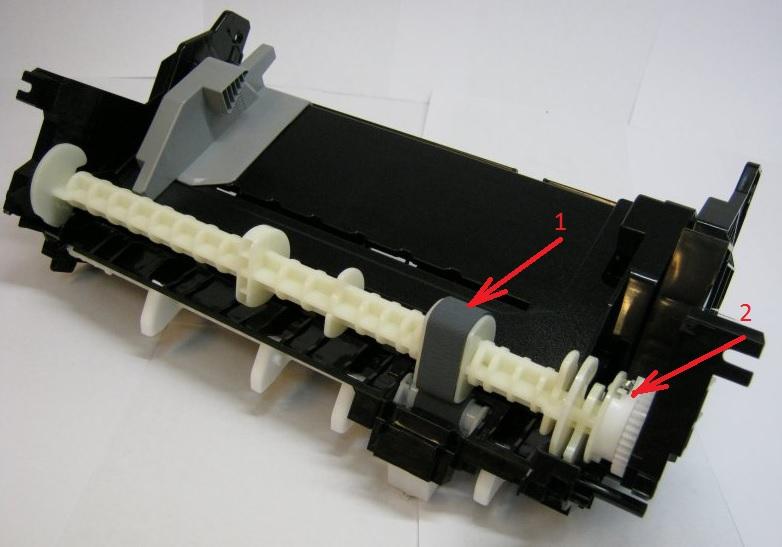 Ролик захвата бумаги и составная шестерня в лотке бумаги