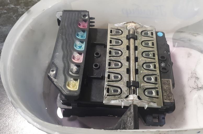 чистка печатающей головки HP с демпферными камерами
