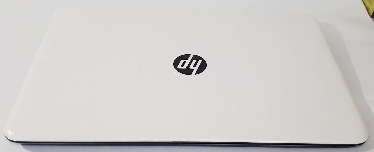 Ноутбук HP 15-ac140ur БУ вид сверху