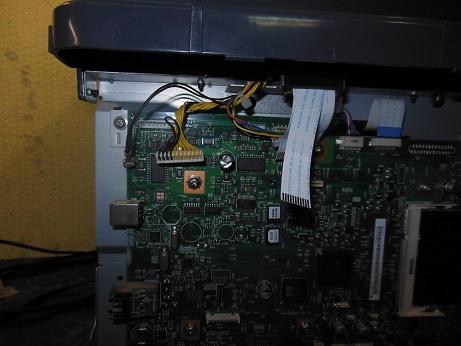 отсоединяем шлейфы сканера HP M2727